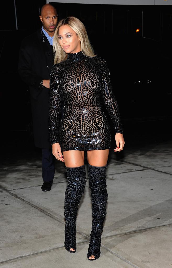 3baf22382c6 Beyonce In Tom Ford - fashionandstylepolice fashionandstylepolice